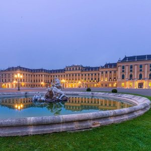 Schnbrunn Palace 7 oclock in the morning nice early morninghellip