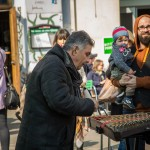 Straßenmusik lebt natürlich auch auf dem Brunnenmarkt