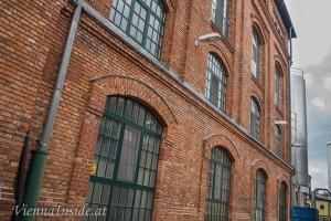 Dieses Gebäude, dass das Sudhaus beherbergt, stammt noch aus der Gründerzeit der Brauerei.