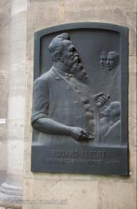 Eduard Albert (* 20. Januar 1841 in Senftenberg, Böhmen; † 26. September 1900 ebenda) war ein böhmisch-österreichischer Chirurg und literarischer Übersetzer. Alberts umfangreiches Werk besteht aus 177 Fachpublikationen in Zweigen der Medizin, hauptsächlich auf dem Gebiet der Chirurgie.
