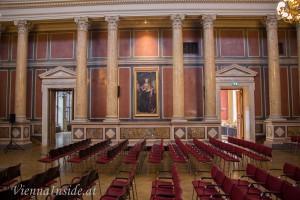 Großer Festsaal mit Statuen Herzog Rudolfs IV. und Maria Theresias
