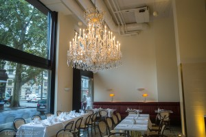 Der wunderschöne  Lobmeyer-Luster im Restaurand Grand Ferdinand