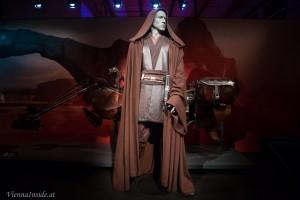 Anakin Skywalker vor seinem Swwop-Bike