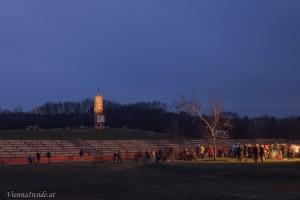 Bei Sonnenuntergang war das Geländes schon sehr gut mit Zuschauern gefüllt.