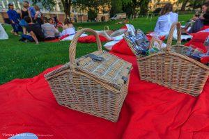 Auch wir packen unseren Korb zusammen und verabschieden uns von einem tollen Picknick.