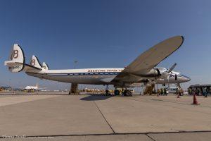 Geboren aus einer Anfrage für ein kommerzielles Langstrecken-Verkehrsflugzeug, fähig ohne Stop zwischen Los Angeles und New York zu verkehren, war die Constellation das Produkt von Lockheed's Konstruktions-Team unter dem Chef-Ingenieur Clarence L. Kelly Johnson.