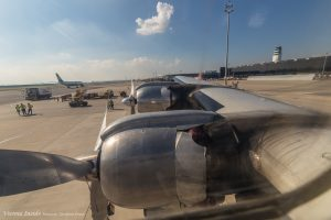 4 luftgekühlte Turbo-Compound 18-Zylinder-Doppelsternmotoren heben das Flugzeug in die Luft.