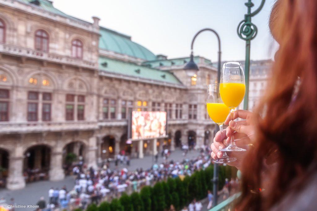 oper-live-am-platz-hotel bristol