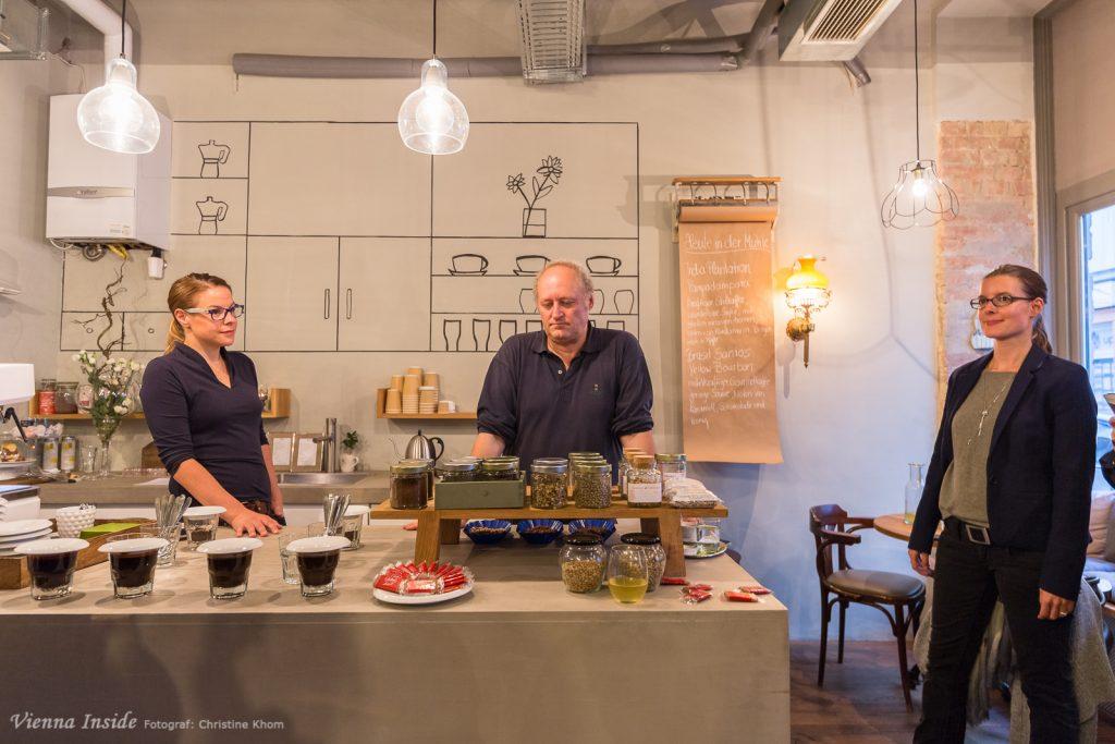 Helmut Brem hat uns anschaulich in die Welt des Kaffees eingeführt.