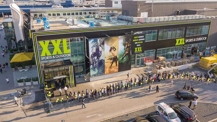 XXL Sports & Outdoor on paratiisi kaikille urheilusta, ulkoilusta ja retkeilystä kiinnostuneille. Laajalla ja uniikilla tuotevalikoimalla XXL on pohjoismaiden johtava urheilukaupan ketju tarjoamalla asiakkailleen markkinoiden laajimman valikoiman tunnettuja merkkituotteita parhaimpaan hintaan..