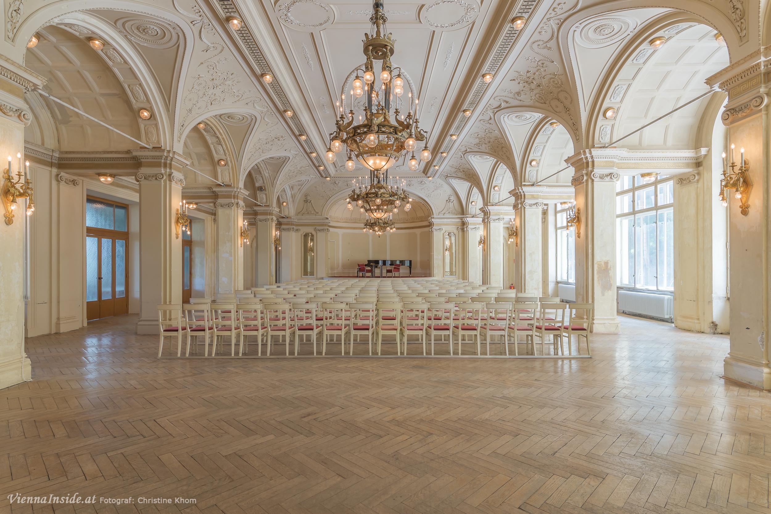 [Image: Kultur-Sommer-Semmering-Suedbahnhotel-6.jpg]